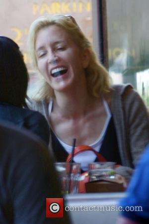 Felicity Huffman enjoys a meal with a friend at Newsroom cafe Los Angeles, California - 25.04.08