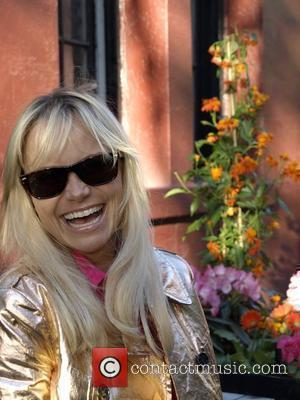 Chenoweth Sends Kidman Good Luck
