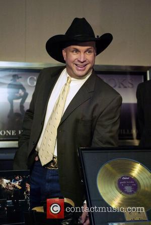 Country singer Garth Brooks  donates items to the Smithsonian National Air and Space Museum Washington DC, USA - 04.12.07