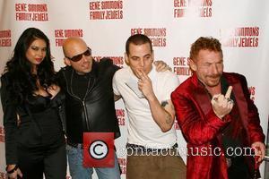 Steve-o, Seinfeld and Tara Patrick