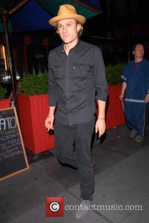 Heath Ledger out walking in Midtown Manhattan New York City, USA - 25.06.07