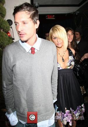 Simon Rex and Paris Hilton leaving Villa Lounge after enjoying a drink together. Paris Hilton and old flame Simon Rex...