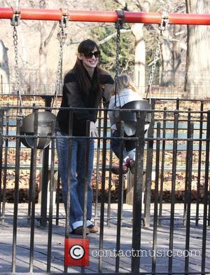Jennifer Garner and Violet Affleck enjoy some time together at Central Park New York City, USA - 28.12.07