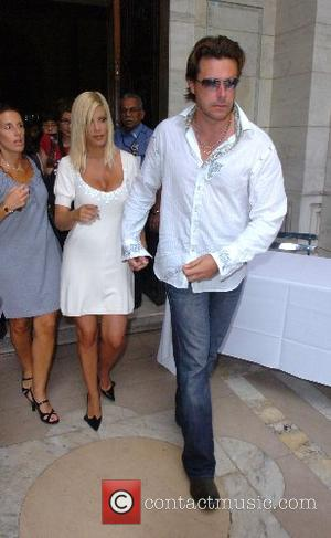 Tori Spelling and Dean McDermott  Mercedes-Benz Fashion Week New York Spring 2008 at The New York Public Library -...