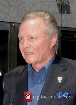 Voight Supports Israel On Visit