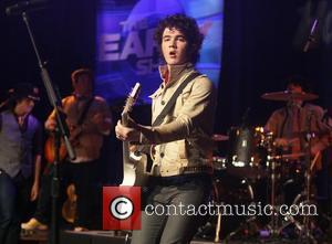 Kevin Jonas, The Early Show and Times Square