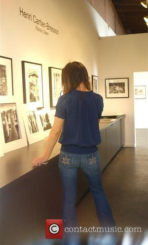 Kate Beckinsale enjoys a Henri Cartier-Bresson photography exhibit at Petter Fetterman Gallery Los Angeles, California - 16.04.08