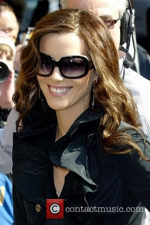 Beckinsale Thankful For Dad's Memory