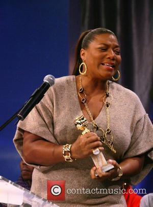 Queen Latifah Gives Away Mad Money On Film Set
