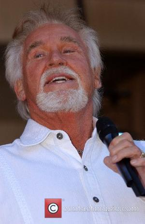 Kenny Rogers Backs The England Rugby Team