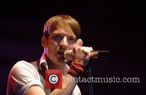 Dan Gillespie Sells  The Feeling performing live at The 2007 Kent Music Festival held at Port Lympne Wildlife Park...