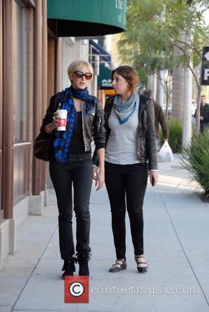 Stewart: 'I Love Knitting'