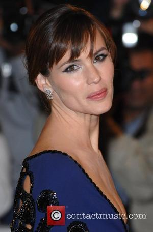 Jennifer Garner Joins Junior League