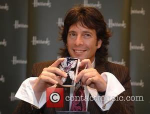 Laurence Llewelyn-Bowen signing at Harrods London, England - 04.10.07