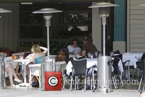 1970s pop star, Leo Sayer having lunch on the waterfront at the upmarket Finger Wharf Sydney, Australia - 23.12.07
