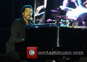 Lionel Richie performing a Mother's Day Concert at The Queen's Park Oval Port Of Spain, Trinidad - 10.05.08