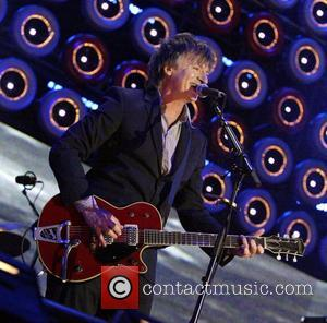 Crowded House Reunite For World Tour