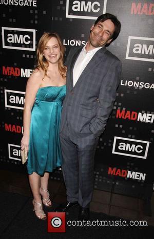 Elizabeth Moss and Jon Hamm