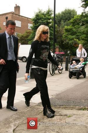 Madonna Urged 'Not To Circumcise' Child