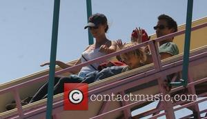 Noah Wyle and family at the Malibu summer fair Malibu, California - 01.09.07