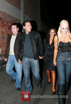 Mario Lopez and Karina Smirnoff enter a nighclub with friends Hollywood, California - 29.12.07