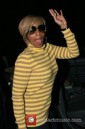 Mary J. Blige  leaving Maestro restaurant in Beverly Hills after dining with her husband Beverly Hills, California - 18.11.07