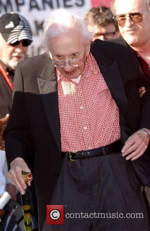 Chicago broadcasting legend Studs Terkel at a rally for the new movie 'Sicko' in Millennium Park  Chicago, Illinois -...