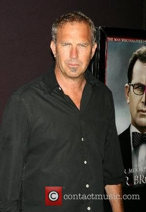 Costner Thanks Extras With Free Concert