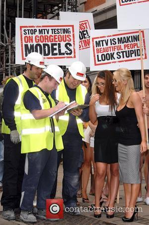 Lucy Pinder, Mtv and The Music