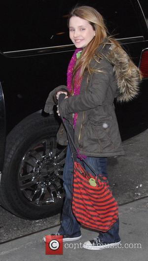 Abigail Breslin, MTV, Mtv Trl Studios and Times Square