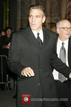 Clooney Breaks Rib In Bike Accident