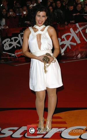 Brit Awards, Nelly Furtado