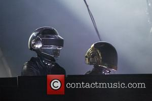 Snappers Get Lucky With Unmasked Daft Punk Picture!