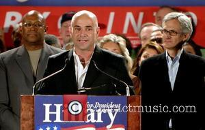 Agassi Accidentally Hits Graf