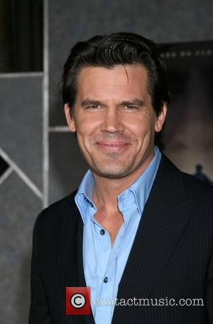 Josh Brolin Premiere of 'No Country for Old Men' at ArcLight Theaters - Arrivals Los Angeles, California - 04.11.07