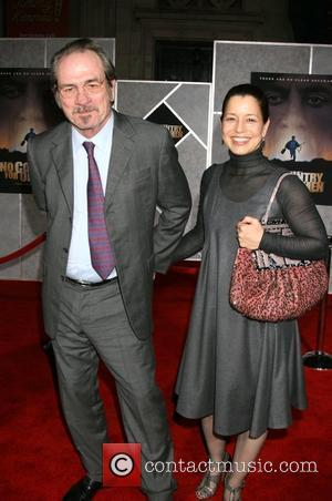 Tommy Lee Jones and wife Dawn Jones Premiere of 'No Country for Old Men' at ArcLight Theaters - Arrivals Los...