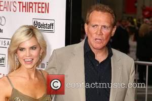 Lee Majors and Faith Majors Los Angeles Premiere of 'Ocean's 13' held at Grauman's Chinese Theatre - Arrivals Los Angeles,...