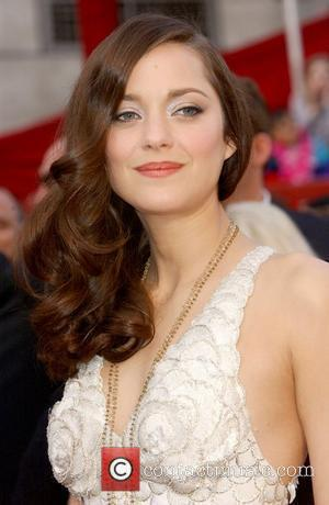 Oscar Winner Cotillard Apologizes