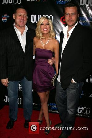 Jay Adamson and Tori Spelling