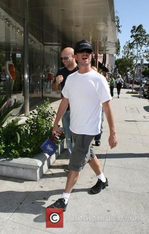 Pauly Shore walking along Robertson Boulevard Los Angeles, California - 11.04.08