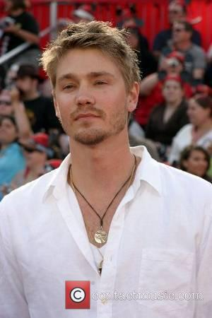 Chad Michael Murray Weds Sophia Bush