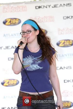 Ingrid Michaelson Performs With Sandy Hook Students