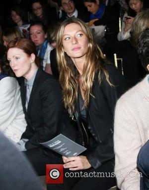 Julianne Moore and Gisele Bundchen