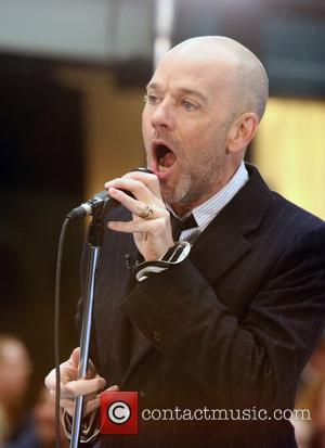 Stipe Announces Bandmates' Heterosexuality