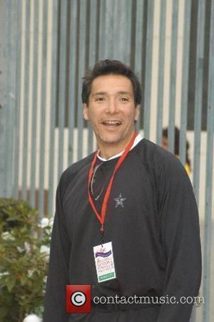 Benito Martinez The Entertainment Industry Foundation Revlon Run/Walk - Arrivals Los Angeles Memorial Coliseum Los Angeles, California - 12.05.07