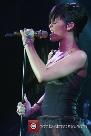 Rihanna In Post-grammys Car Crash
