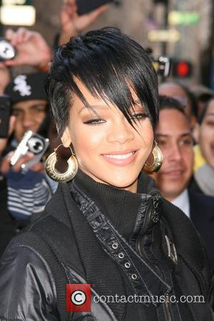 Rihanna Tips Winehouse For Mobo Glory