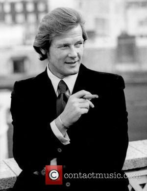 *SIR ROGER MOORE CELEBRATES HIS 80TH BIRTHDAY ON 14TH OCTOBER 2007  Roger Moore 1972