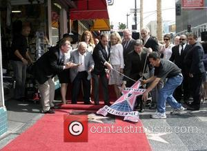 Stefanie Powers, Ruta Lee, Hollywood's Honorary Mayor Johnny Grant, Roger Moore, Christina 'Kiki' Tholstrup, David Hedison Roger Moore honoured with...