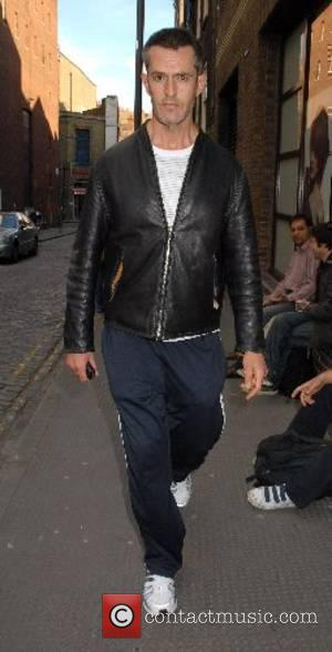 Rupert Everett going for a stroll in Covent Garden London, England - 31.05.07
